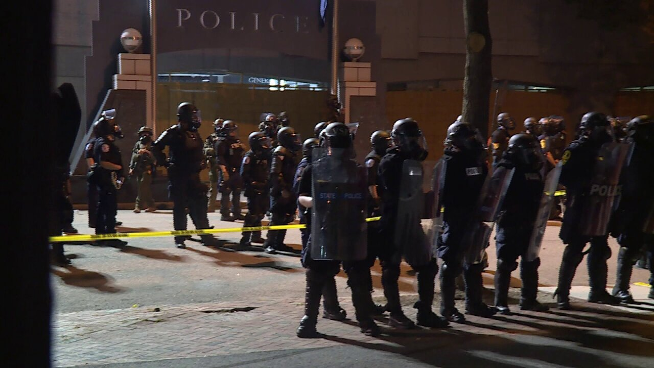 Police chief believes Antifa, Boogaloo boys were at Richmond riot
