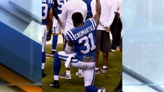 Colts' Cromartie kneels during national anthem