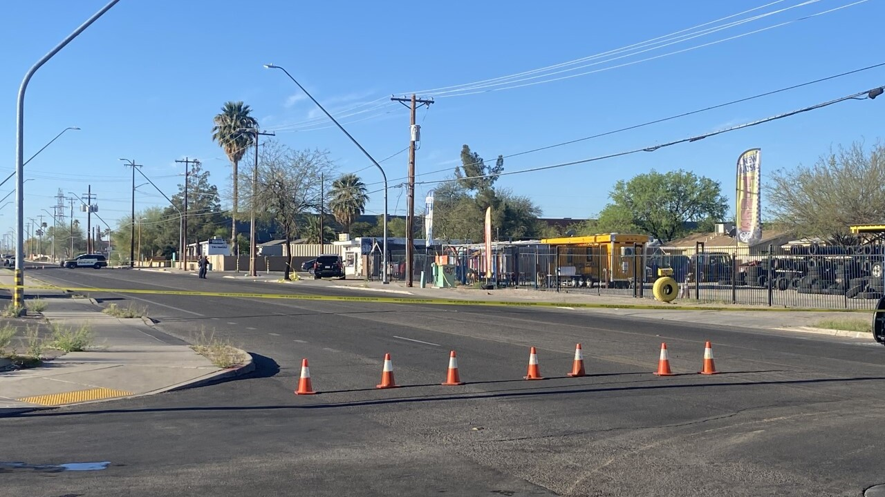 Tucson police say a man was shot to death Thursday on South Park Avenue.