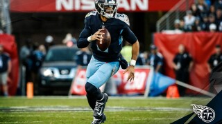 Titans shake off ugly start, rally to edge Jets 26-22