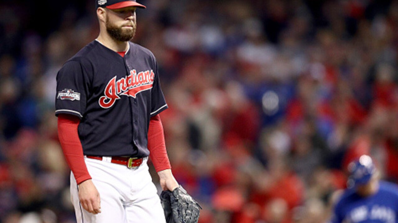 Kluber gets eighth win, Indians roll White Sox 9-1