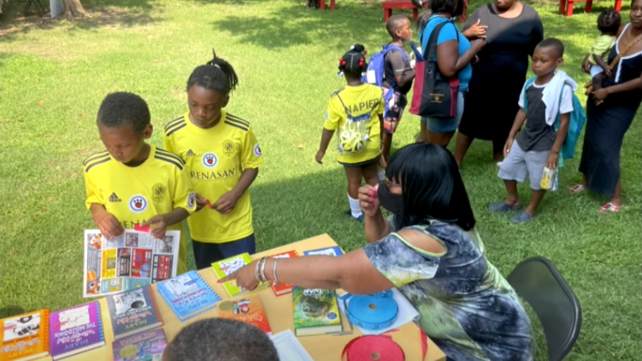 Napier Elementary hosts back to school event