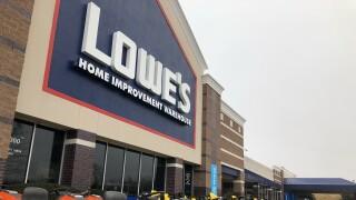 Lowe's hiring.jpg