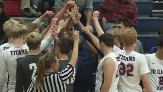 Coursers, Titans win tight showdowns Tuesday