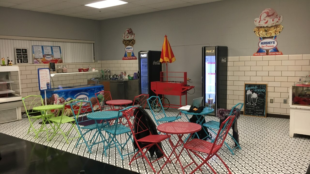 lunch room 1.jpg