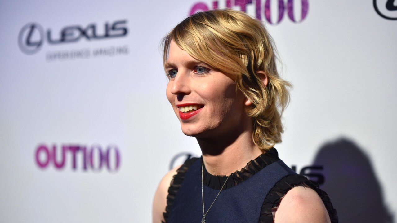 Chelsea Manning's health threatened by solitary confinement in Virginia jail, her support group says