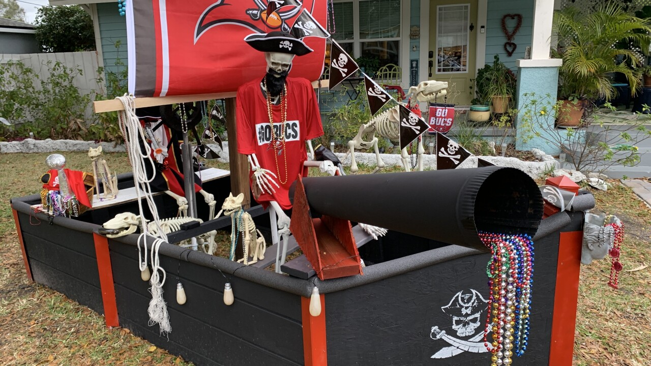 Buccaneers-pirate-ship-front-yard2