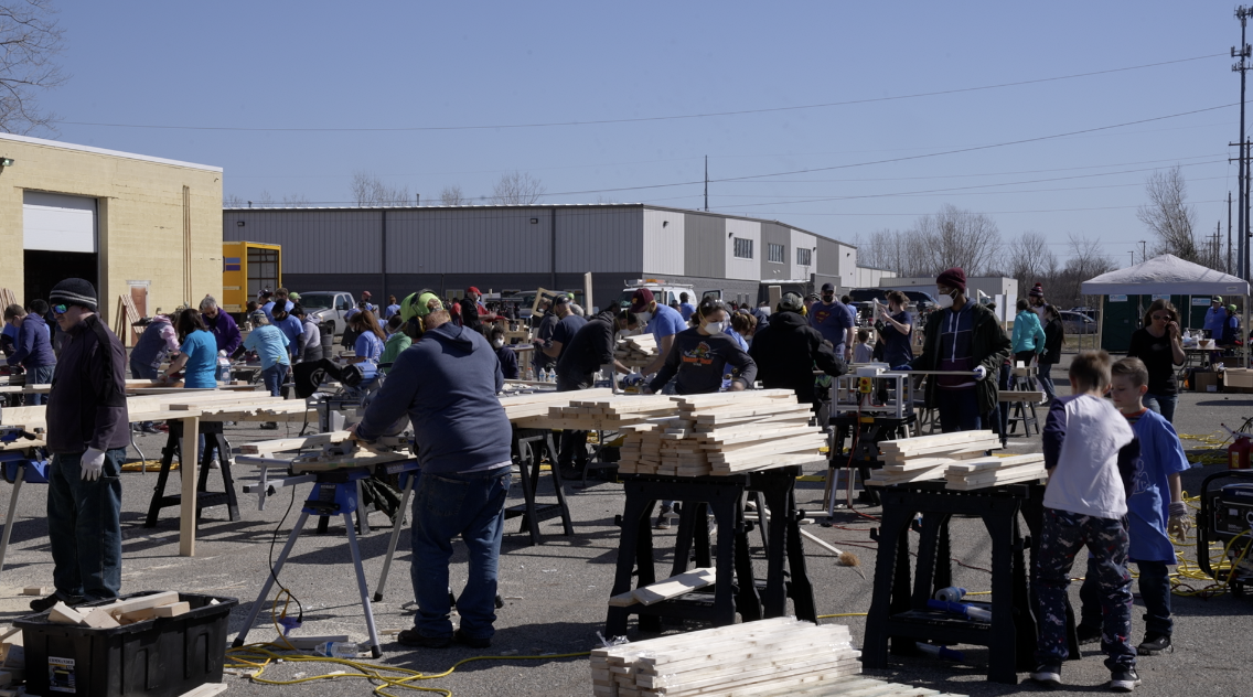 Sleep in Heavenly Peace record-breaking bed-building event stations