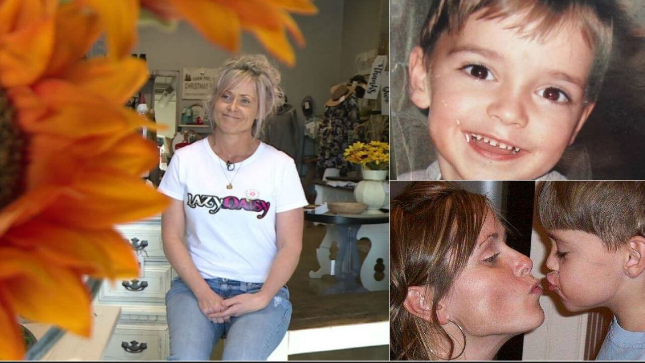 Mom learns to bloom again after 7-year-old son's senselessmurder