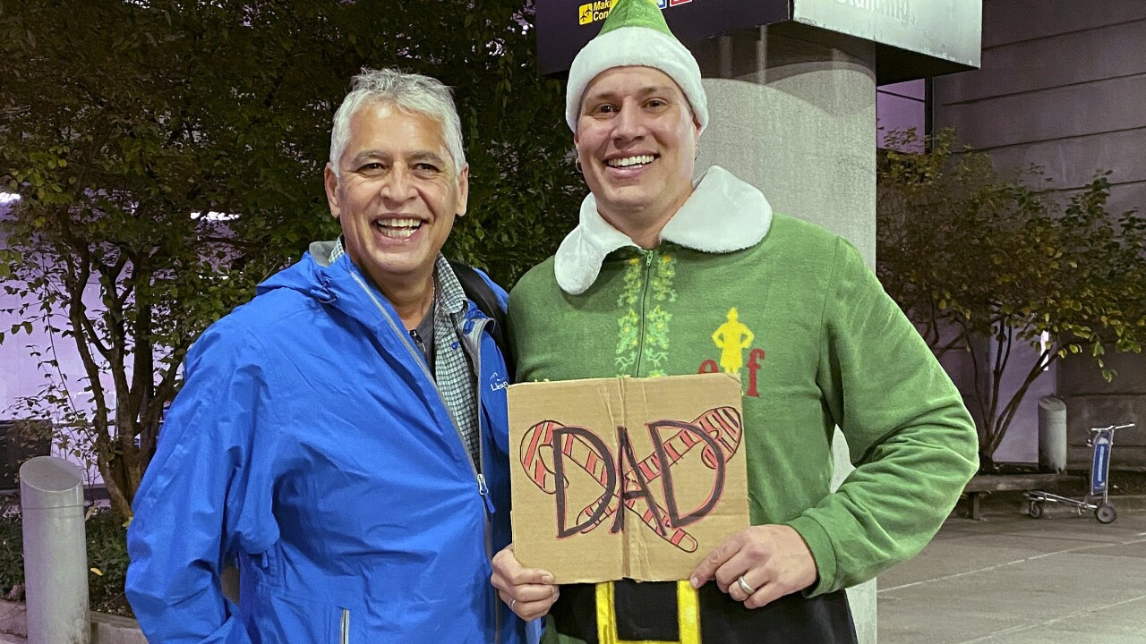 Scene from 'Elf' comes to life as Buddy meets biological dad in Boston