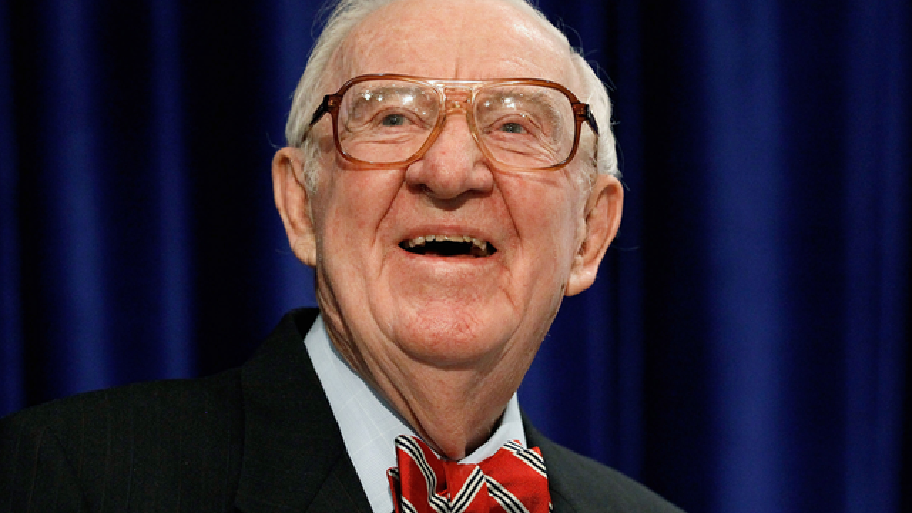 Retired justice John Paul Stevens urges repeal of Second Amendment