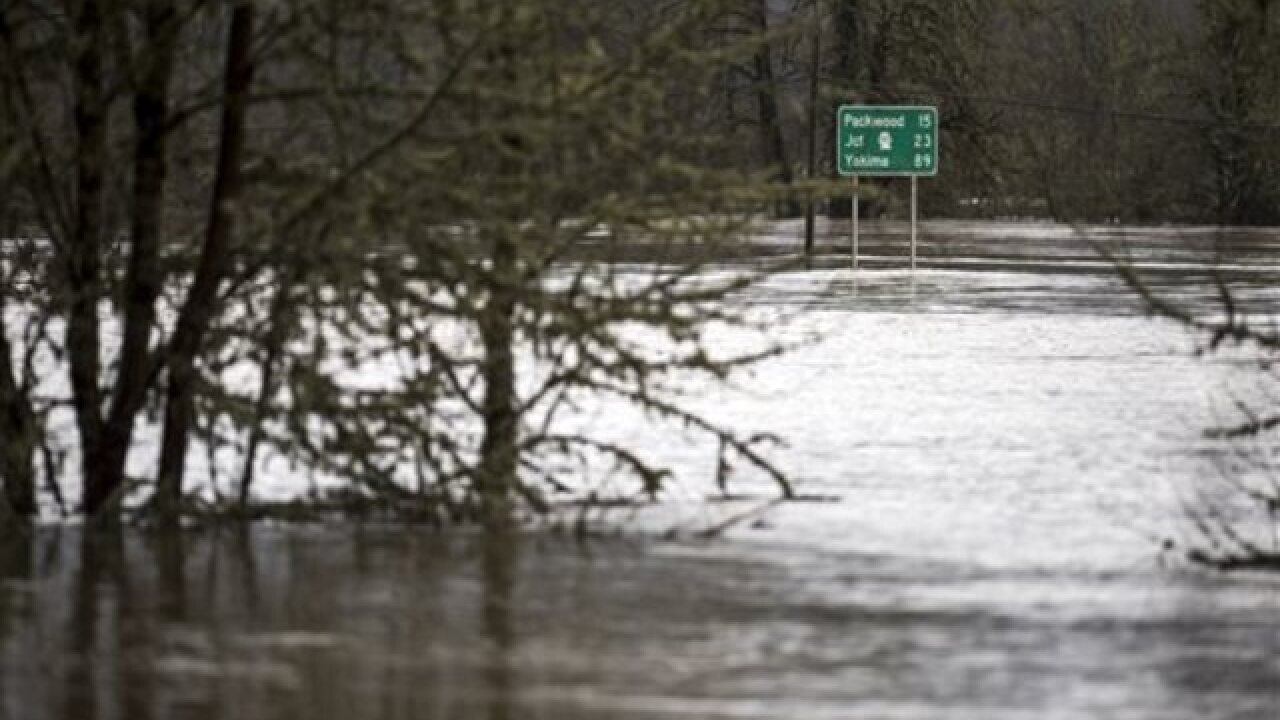 Dramatic storms easing up in Pacific Northwest