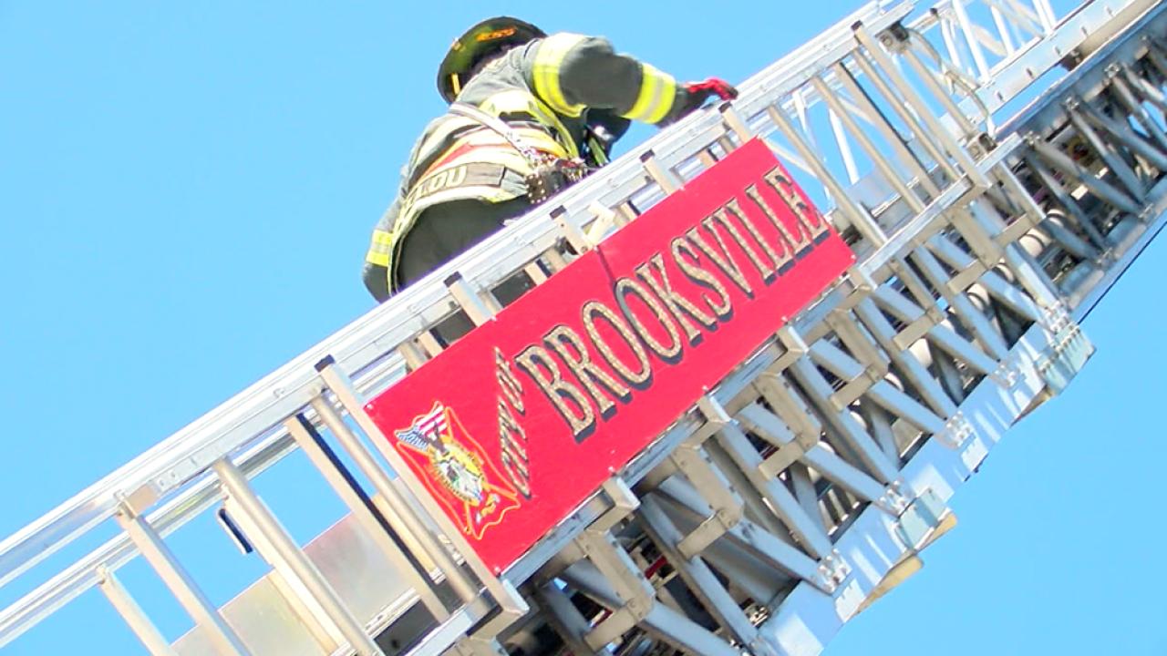 brooksville-fire-department-ladder-truck.png
