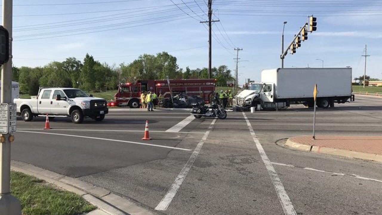1 dead in Olathe crash at Santa Fe and K-7