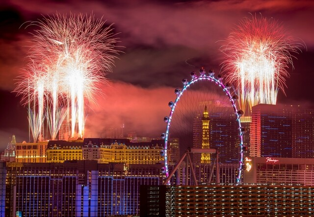 PHOTOS: New Year's Eve weekend entertainment in Las Vegas