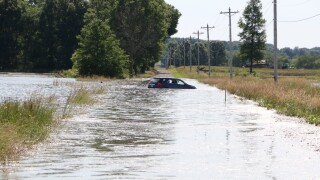 Jeromesville car in water.jpg