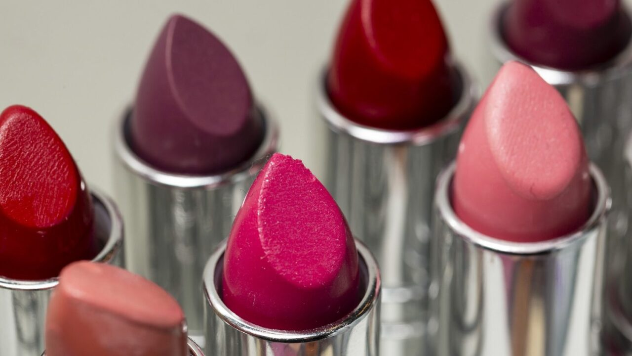 MAC is giving away free full-size lipstick
