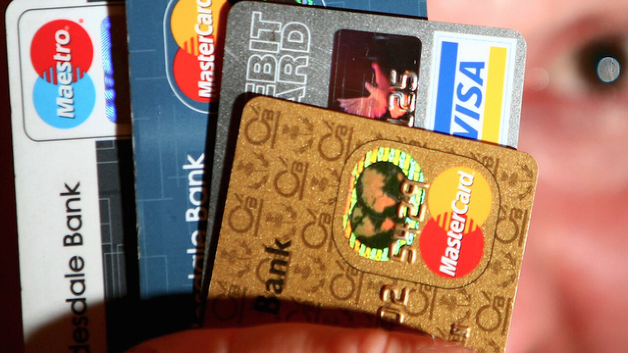 8 ways to keep your travel credit card working for you