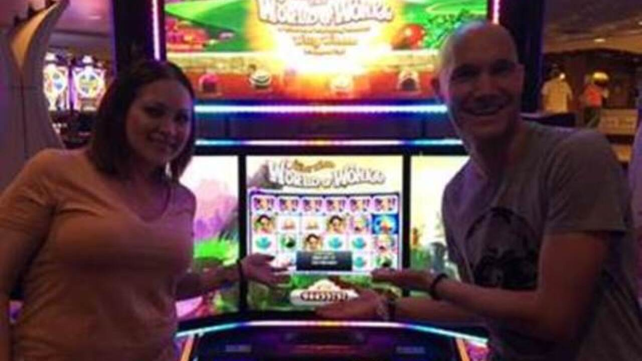 Guests win close to $1 million at Harrahs playing penny slots