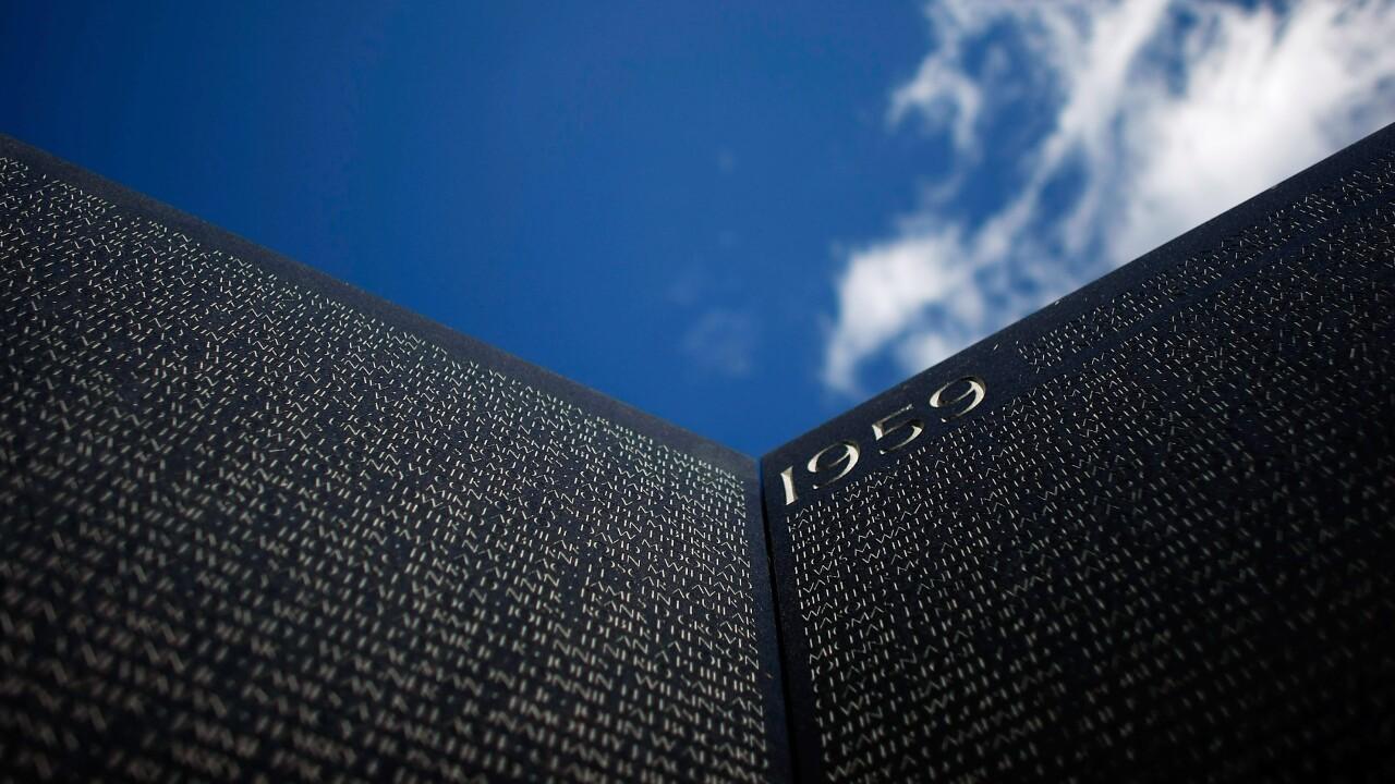 25th Anniversary Of Vietnam Veterans Memorial Wall Commemorated