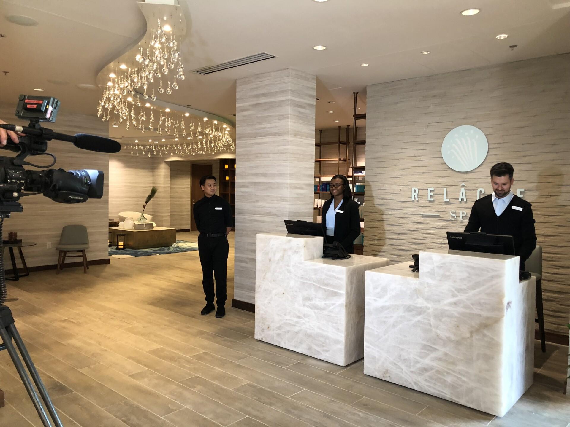 Gaylord Hotel_lobby.jpg