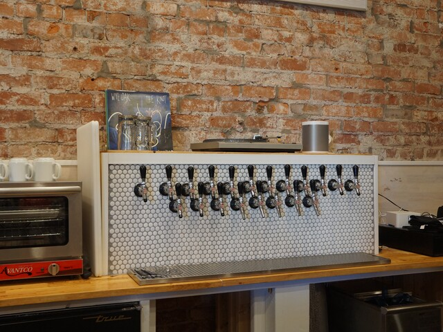 Landlocked Social House blends craft beer and coffee