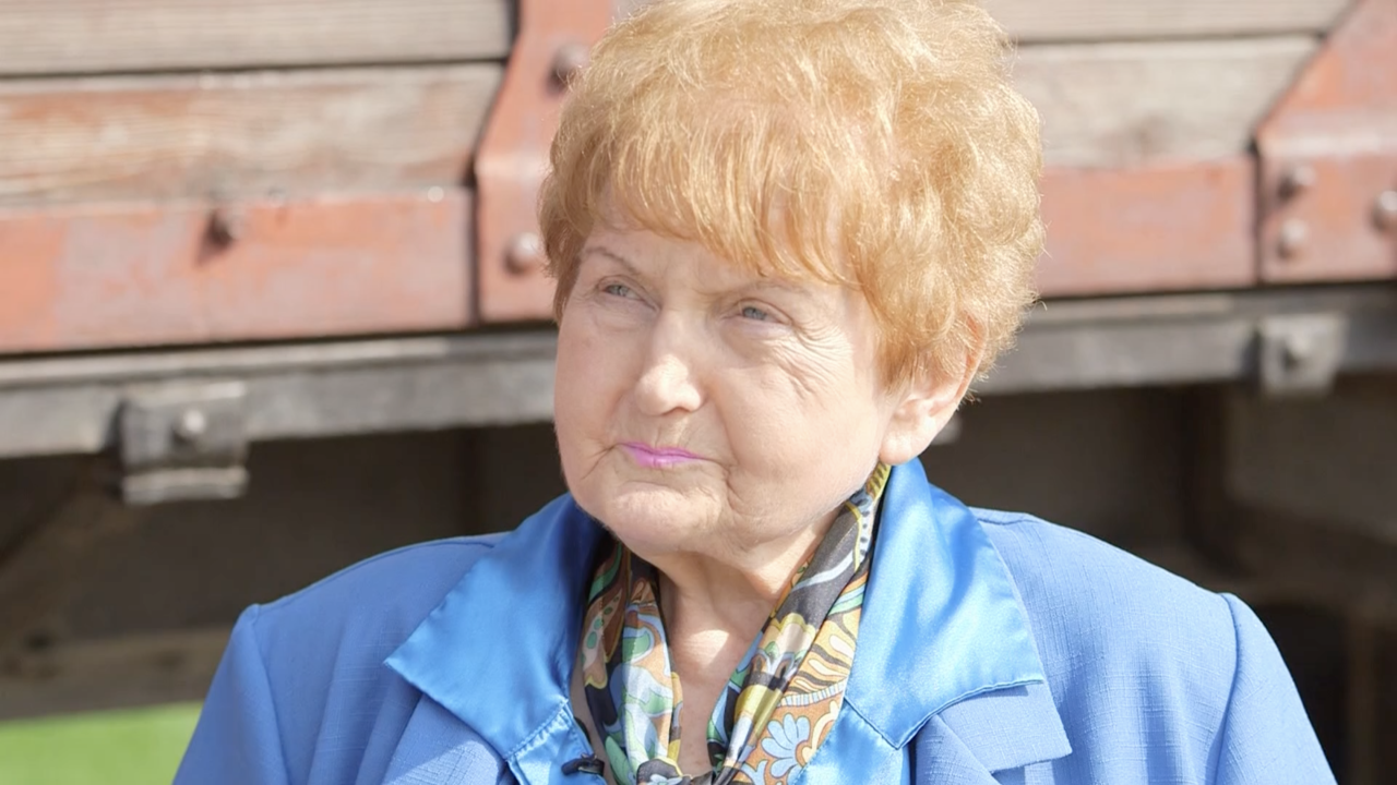 Eva Kor, a Holocaust survivor and forgiveness advocate, dies at 85