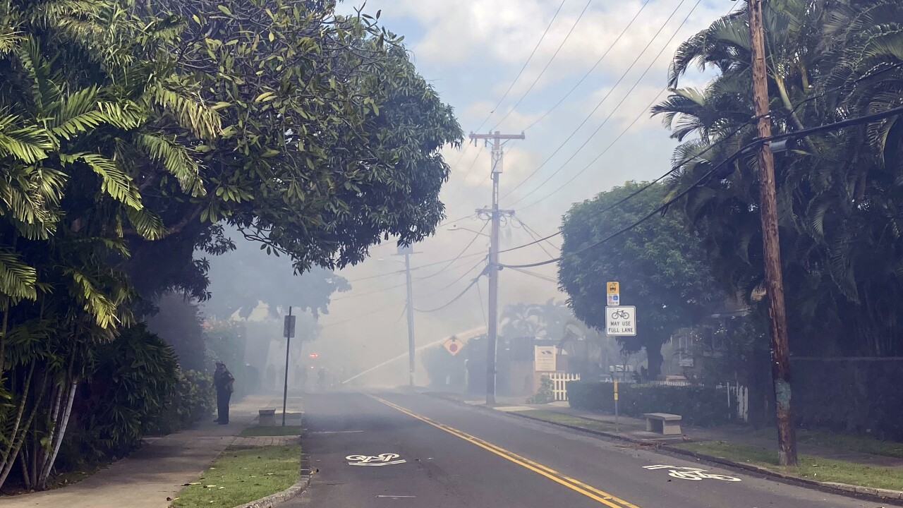 Police: 2 officers shot in Hawaii