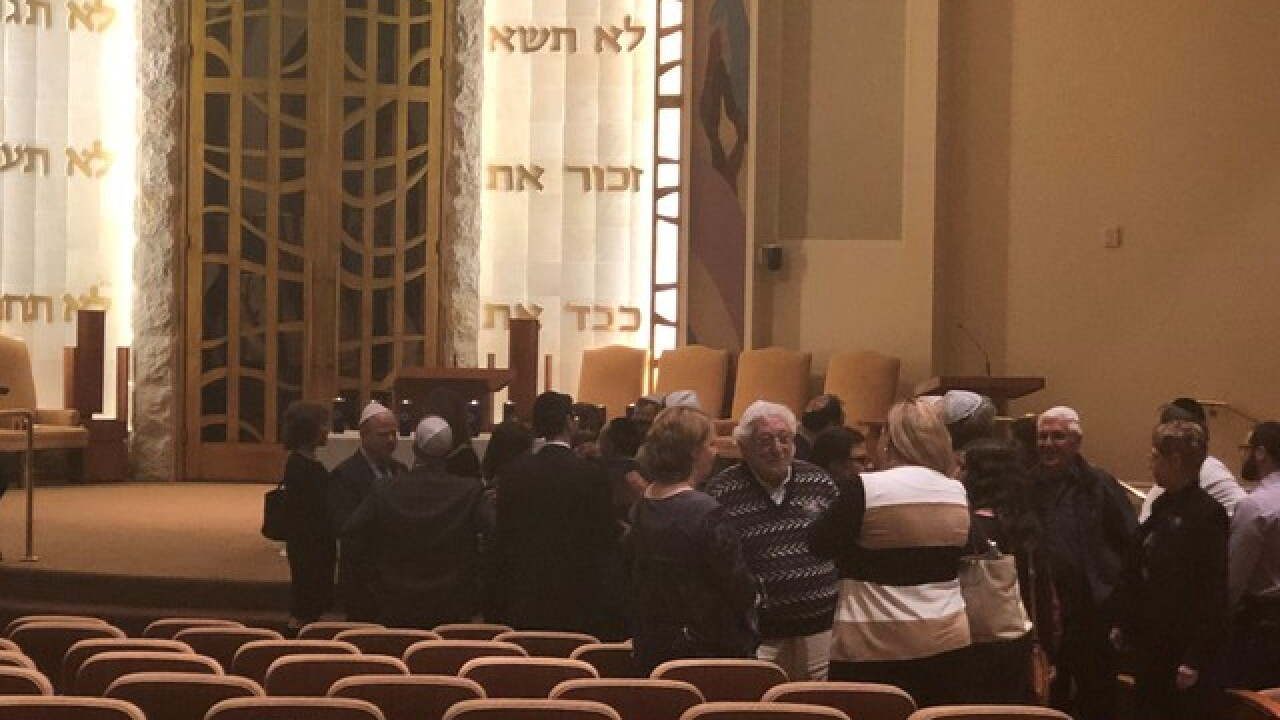 Las Vegas Jewish community mourns Pittsburgh