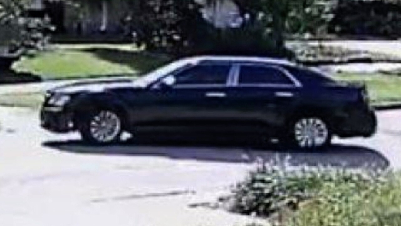 Police search for robbers, hitting Tampa homes
