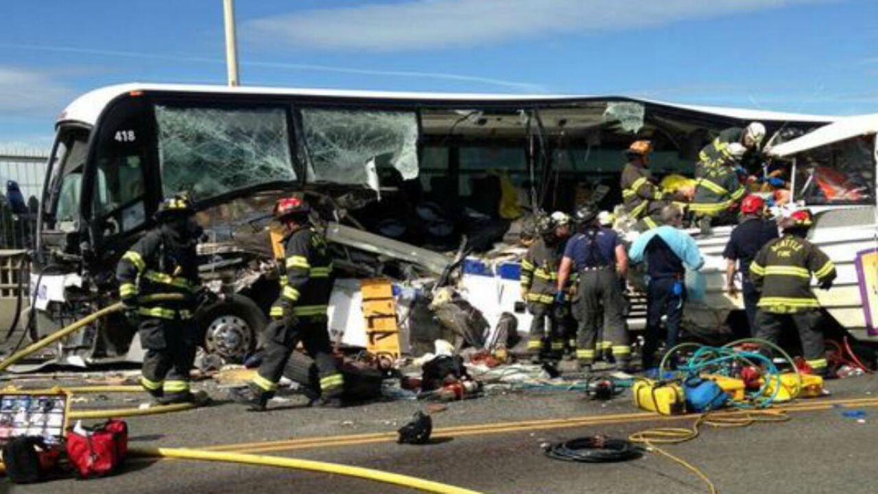 Four dead, 12 critically injured in 'Ride the Ducks' crash in Seattle