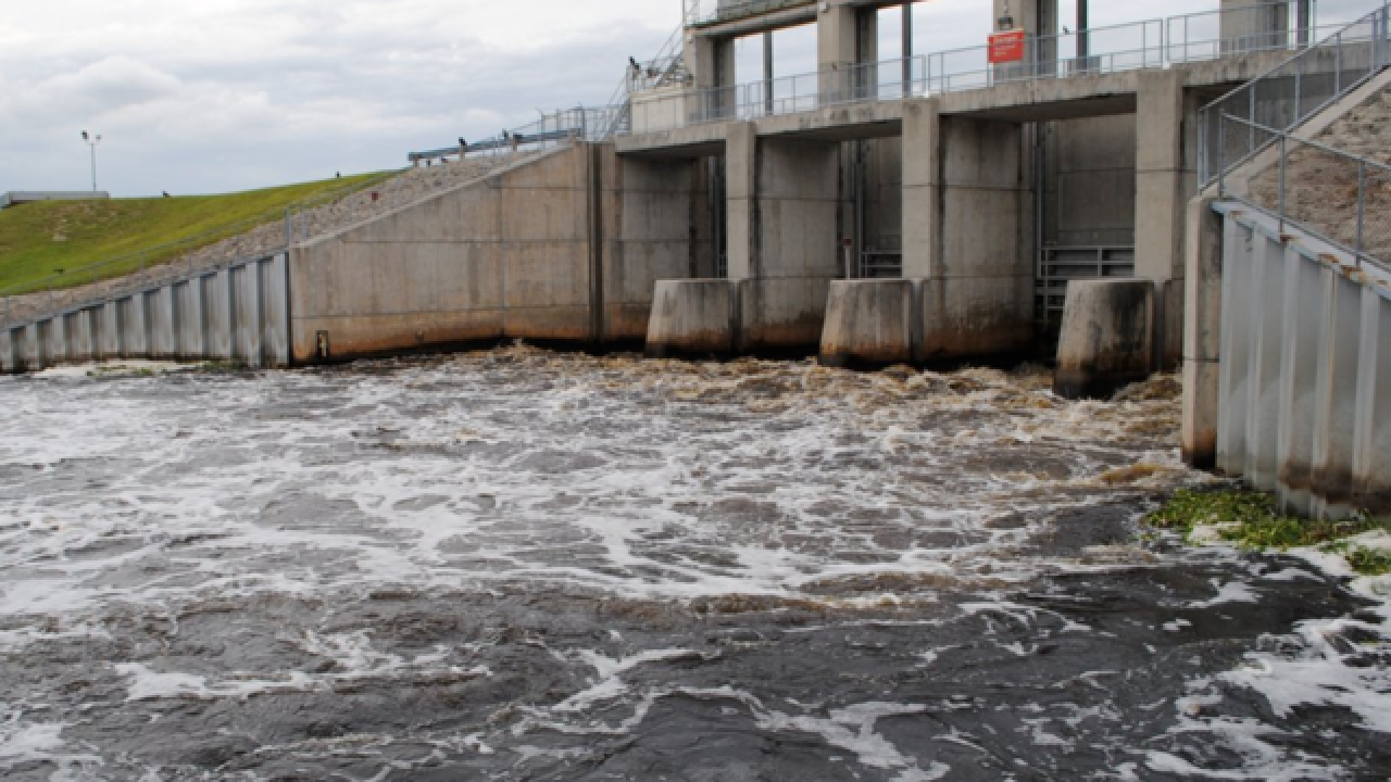 Lake Okeechobee water discharges suspended amid pressure from elected officials, public protests