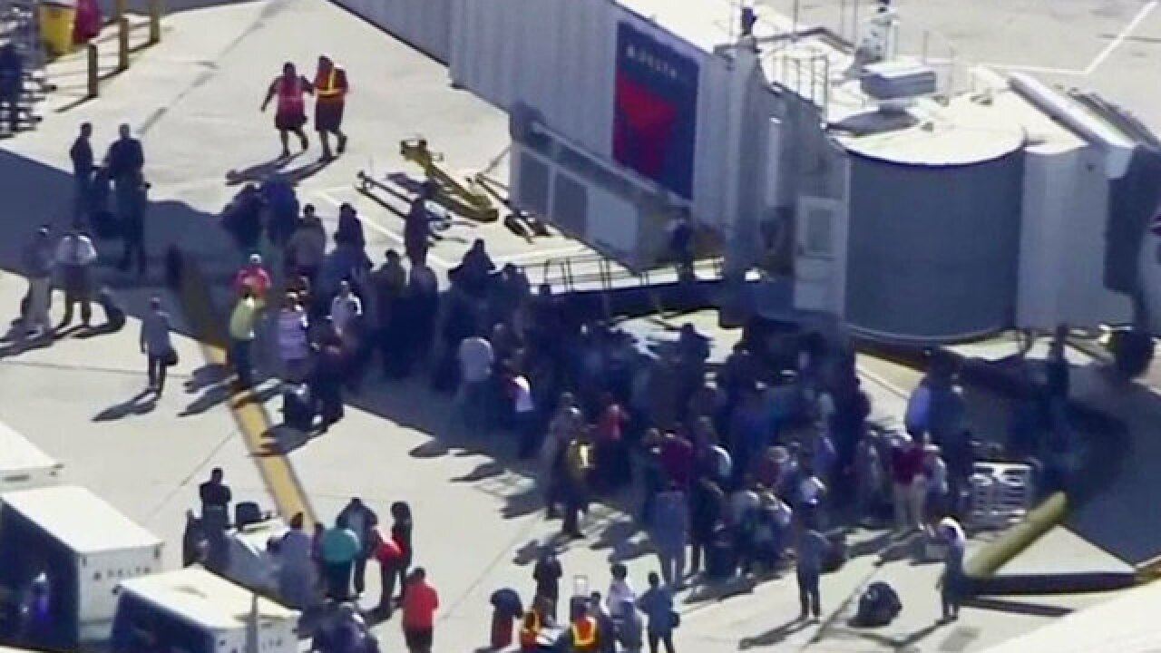 5 dead in Fort Lauderdale Airport shooting