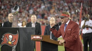 Jon Gruden inducted into Buccaneers Ring of Honor in 2017