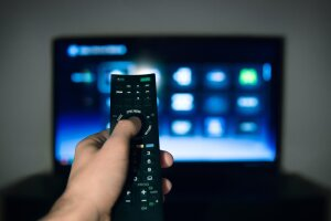 FBI warns cyber criminals may be using smart TVs to spy on you