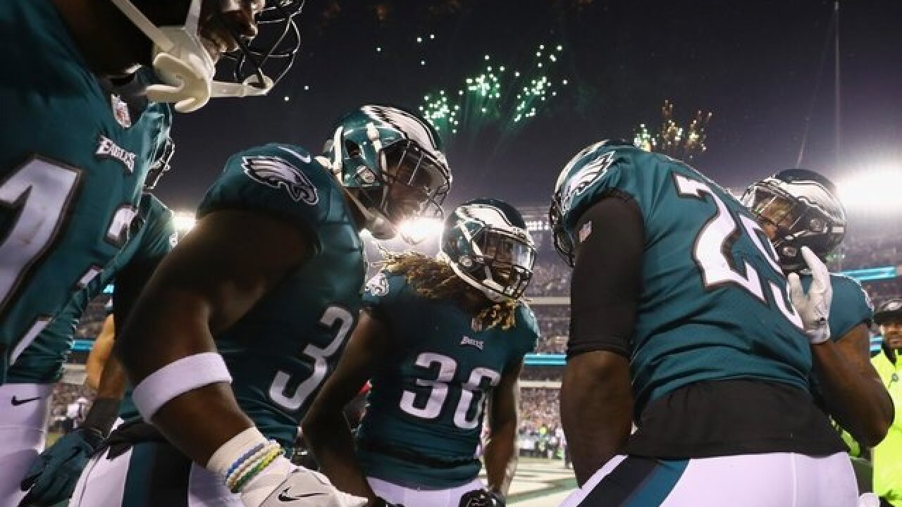 Eagles players stay in tunnel during national anthem