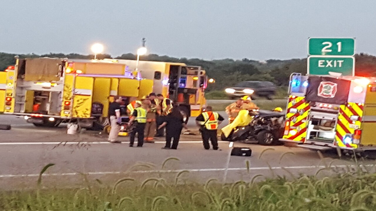 Two dead in crash on I-70 in Blue Springs