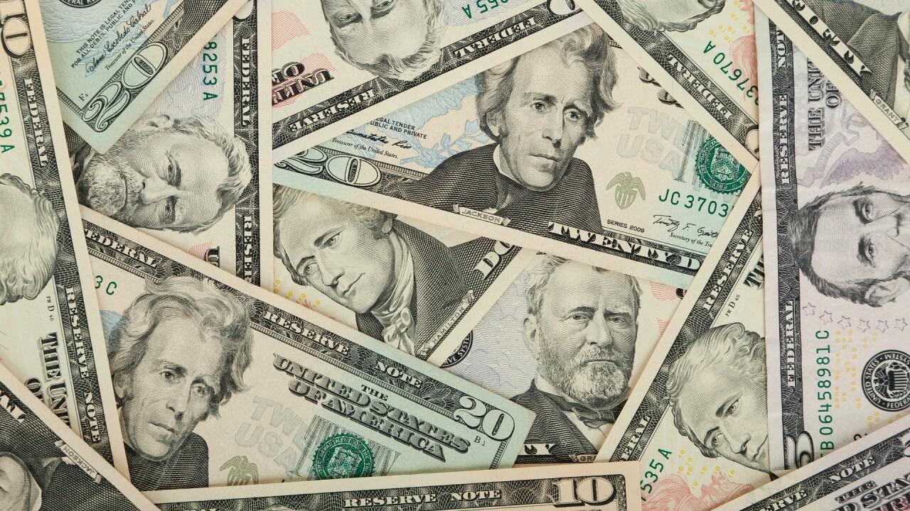us-dollars-84594_1920.jpg
