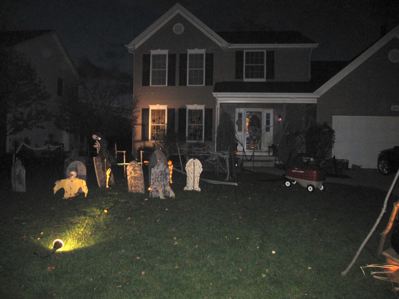 Gavazzi's spooky Halloween set up attracts lots of Trick or Treaters.
