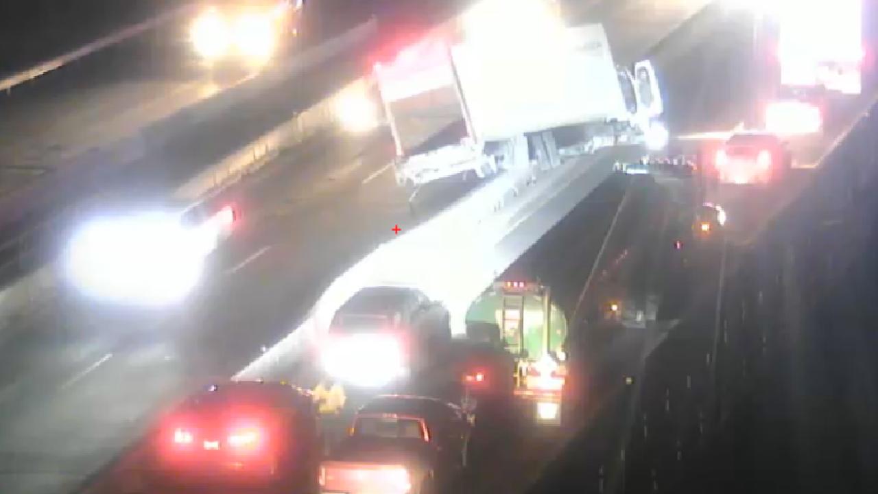 I-25 box truck crash crash_Nov 13 2019