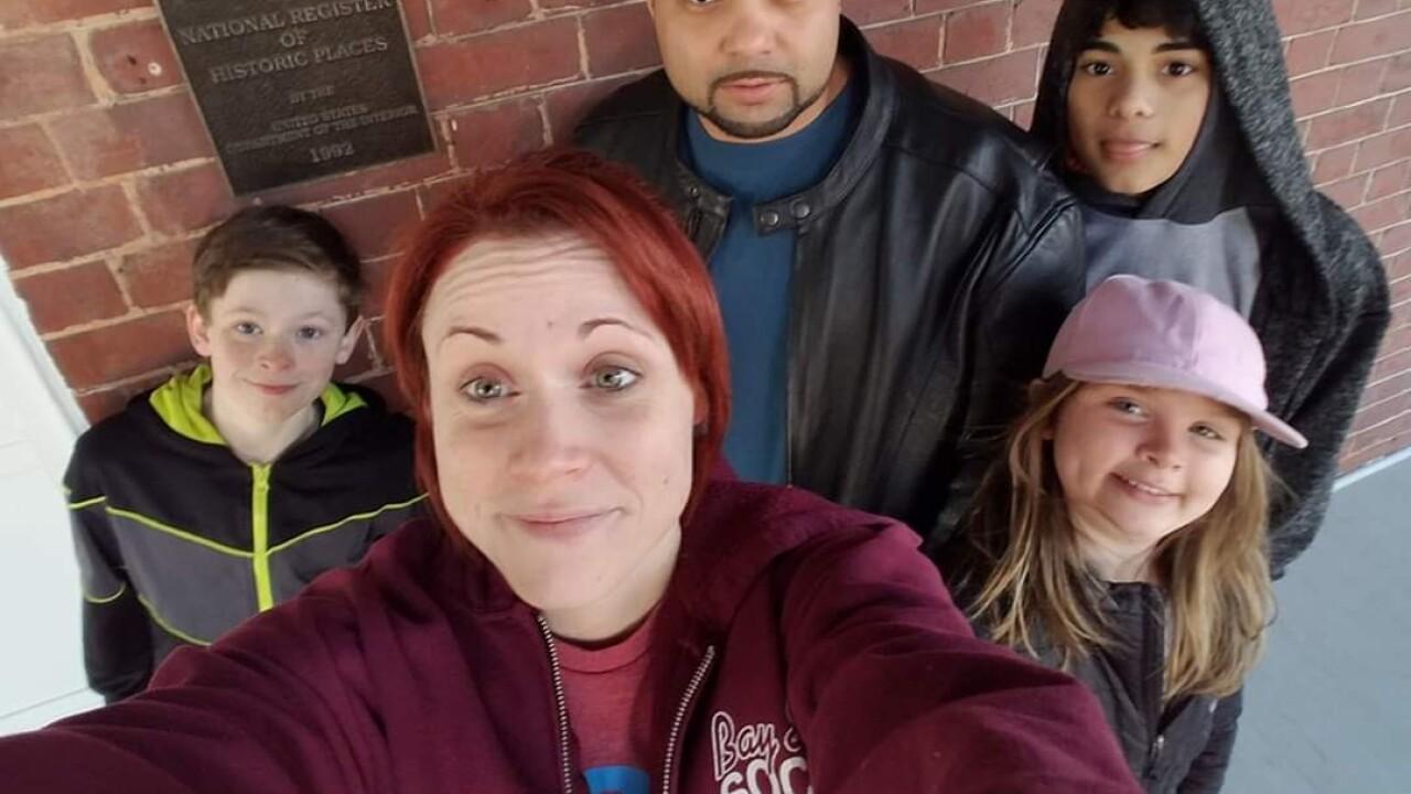Struggling army veteran gets rent help from Las Vegas nonprofit