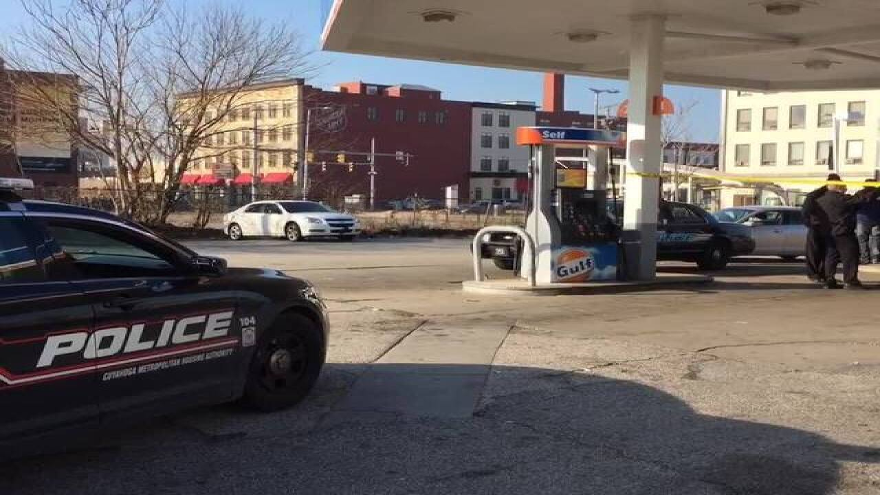 Cleveland carjacking suspect in custody