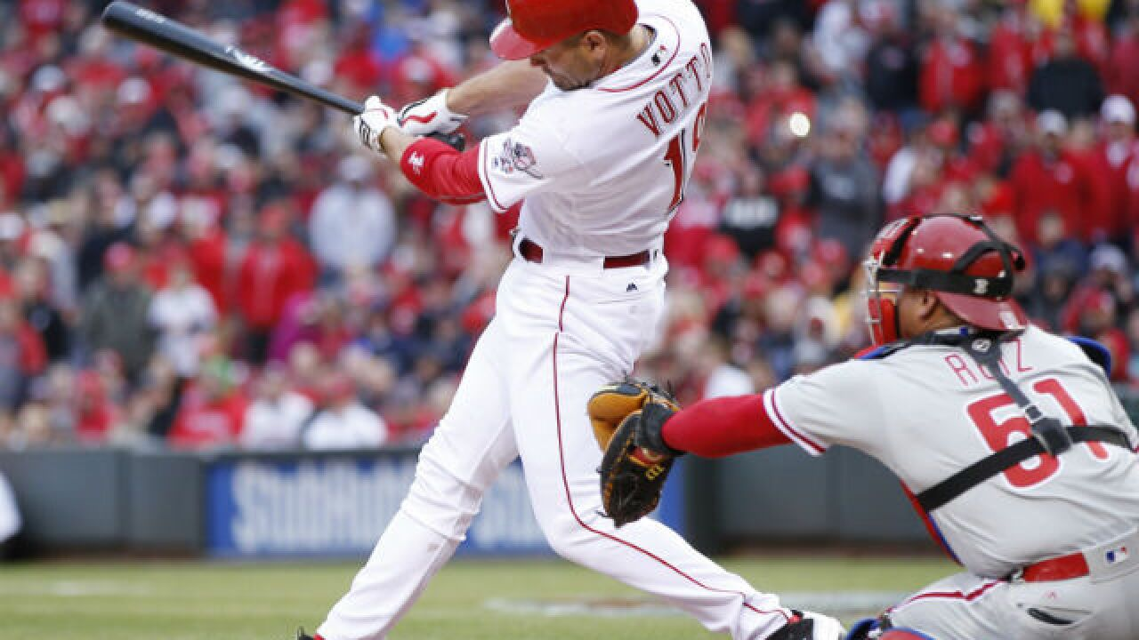 Votto, Cozart save Opening Day for Reds