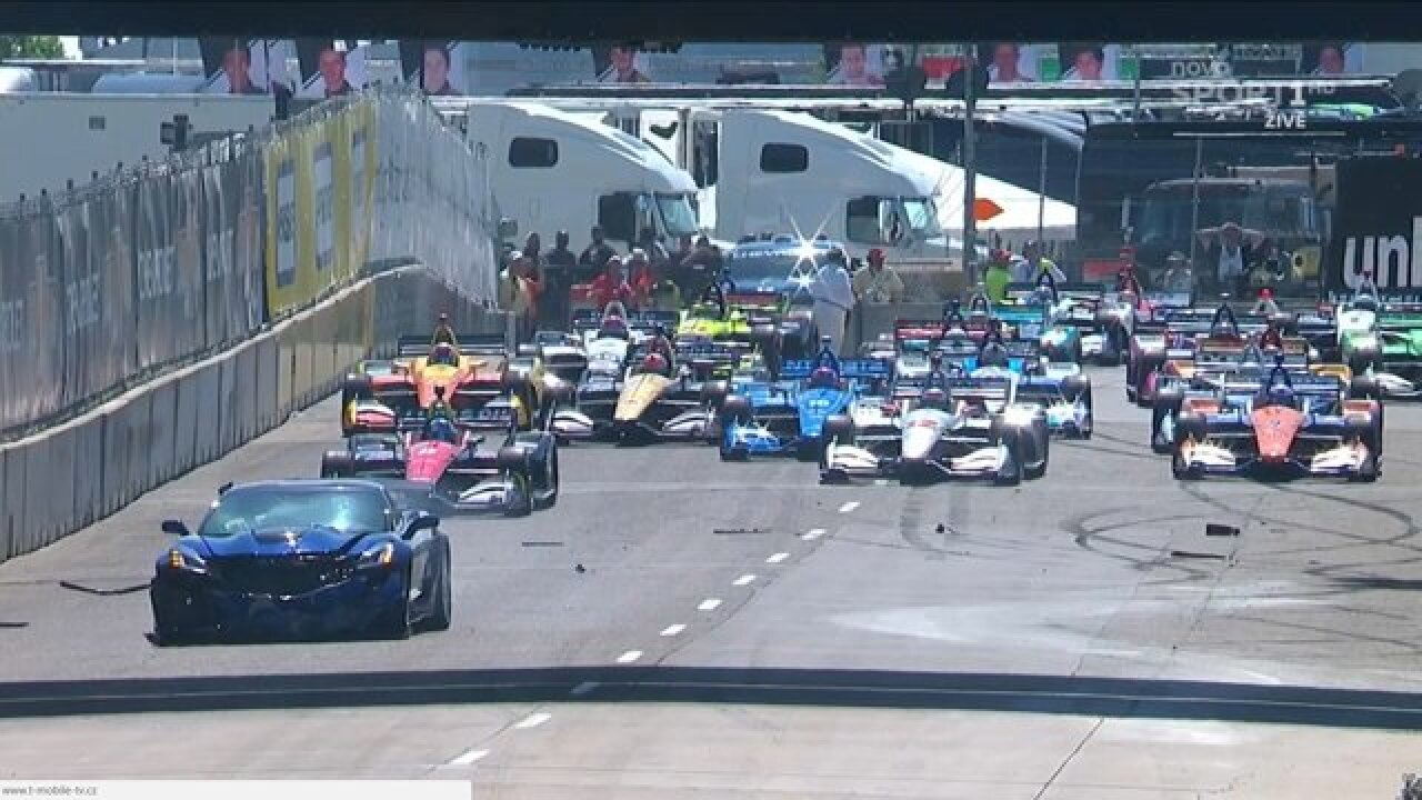 Pace car crashes during opening warmup lap at Detroit Grand Prix