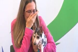 Boca Raton woman reunited with missing dog after 12 years