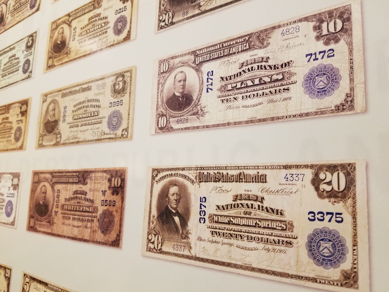 Variety of banknotes distributed in Montana before standardized bills