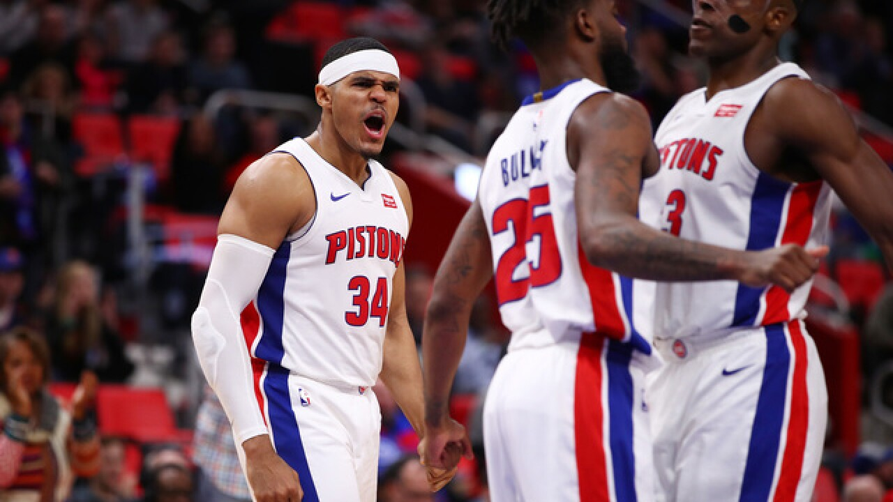 Harris scores 30 as Pistons crush Pacers