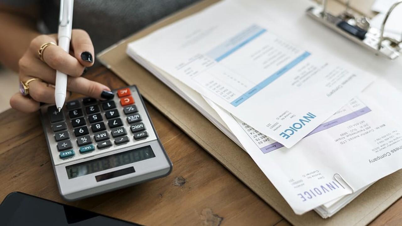 accountant-accounting-admin-alone.jpg