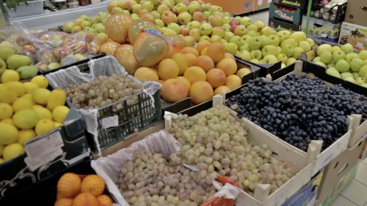 Local farmers and produce subscription boxes seeing surge amid pandemic