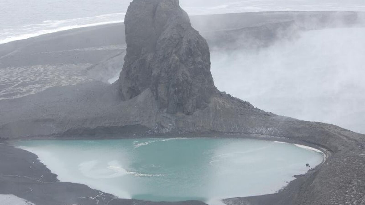 Alaskan volcano eruption means potential danger for aircrafts